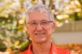 Dr. Helmut Schreiber
