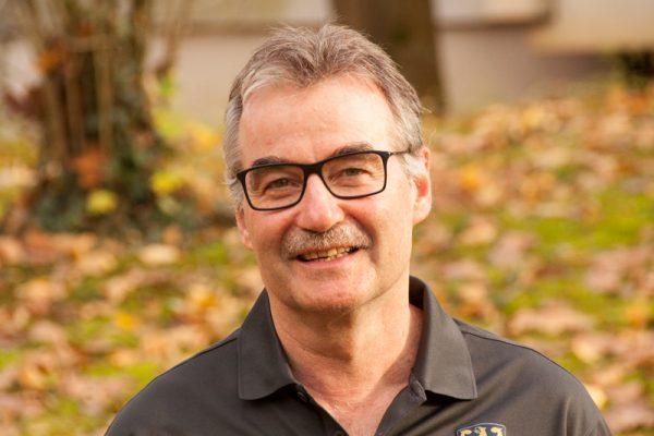 Dr. Walter Hubmann
